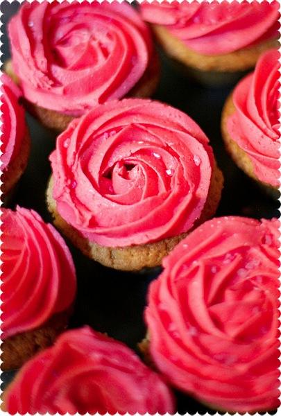 how to make a rose cupcake swirl