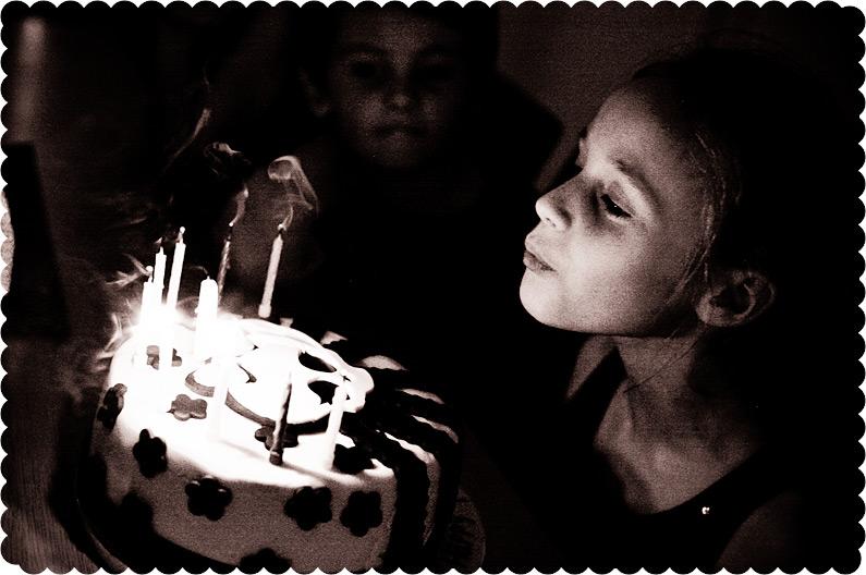 Monster high pink skull birthday cake