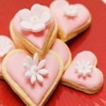 heartshaped-almond-biscuits.jpg